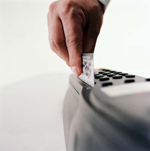 Cartão de crédito clonado.