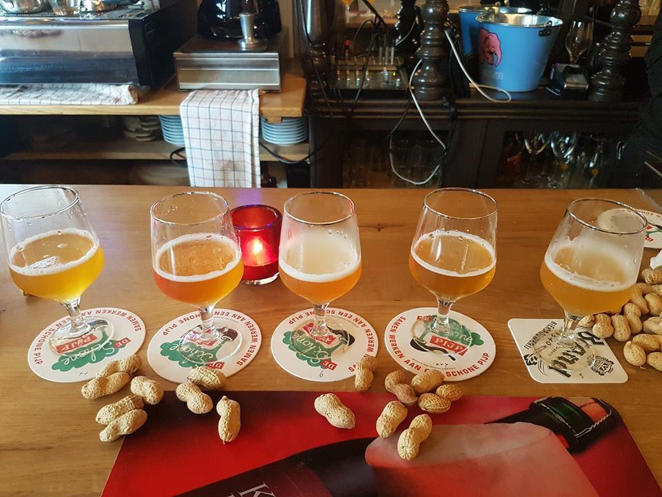 Foeders Bar Lambic é um excelente bar de Cerveja artesanal em Amsterdã.