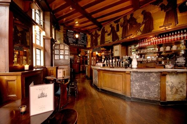 White Hart Inn.