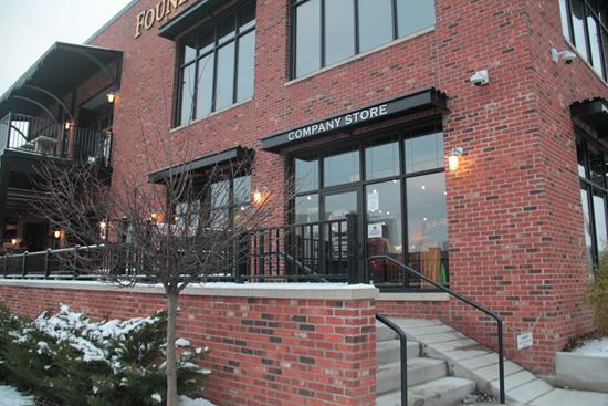 Lojinha da Cervejaria Founders em Grand Rapids, Michigan (EUA).