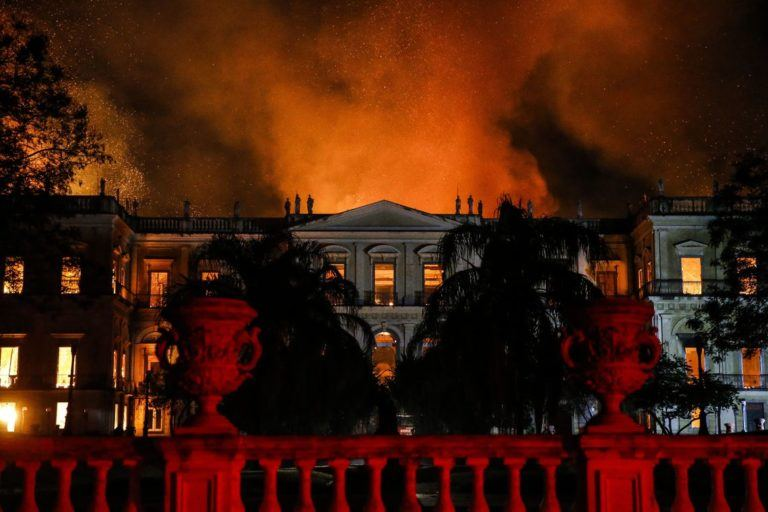 Incêndio no Museu Nacional.