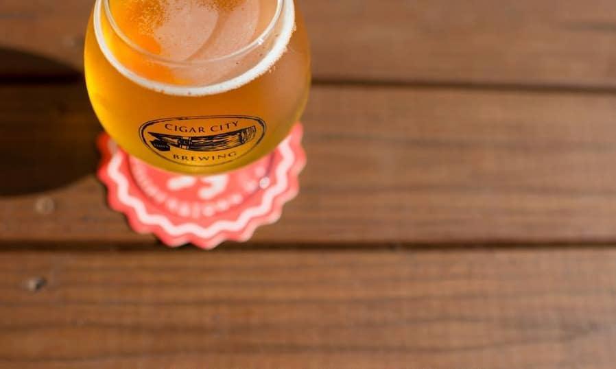 Thirsty Topher é um dos melhores bares de cerveja artesanal em Orlando.