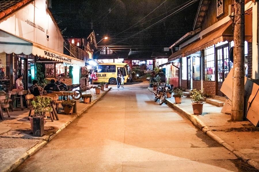 Centrinho comercial de Maringá, que fica próxima a Visconde de Mauá.