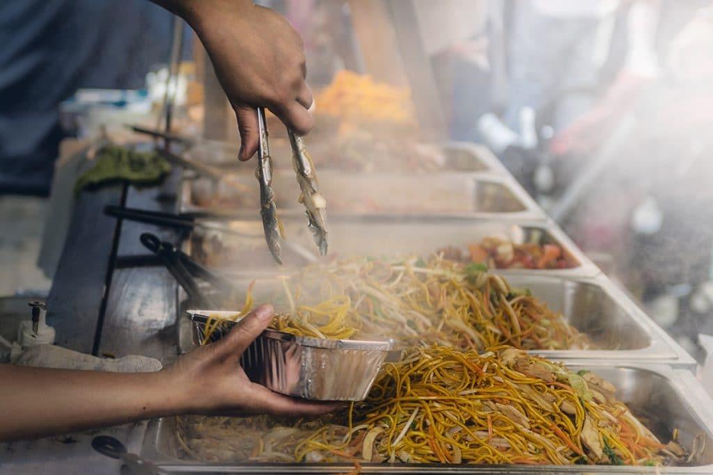 Cuidados com a comida de rua no carnaval de Belo Horizonte