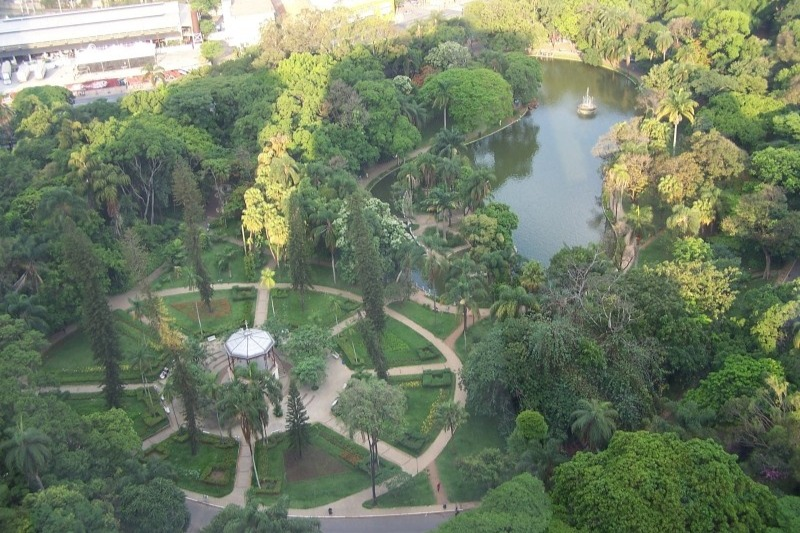 Parque Municipal no centro de Belo Horizonte.