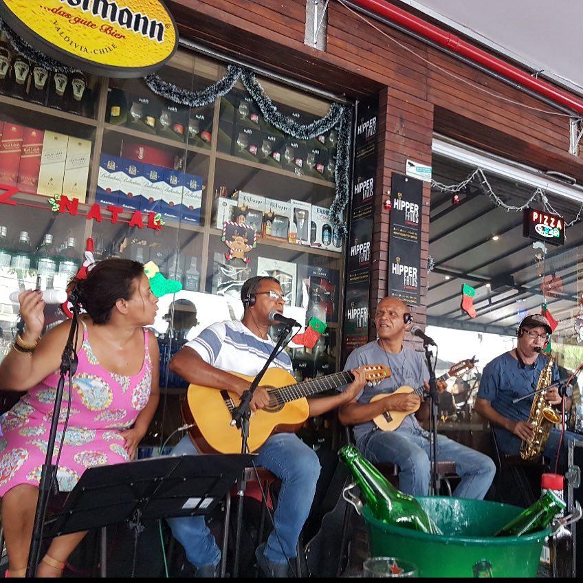 Samba no bar Hipper Frios em Belo Horizonte.
