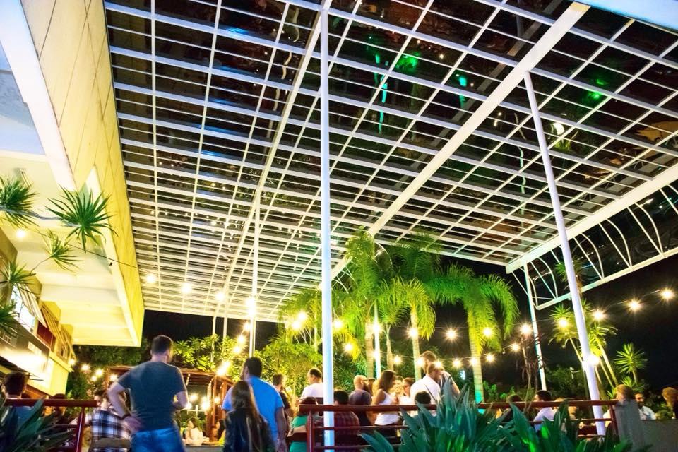 Protótipo Bar tem uma varanda muito agradável para quem curte uma cerveja artesanal em Belo Horizonte.