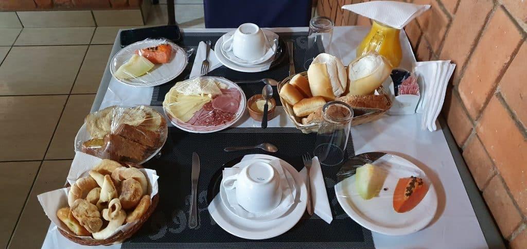 Café da manhã na Pousada Chalana em Monte Verde
