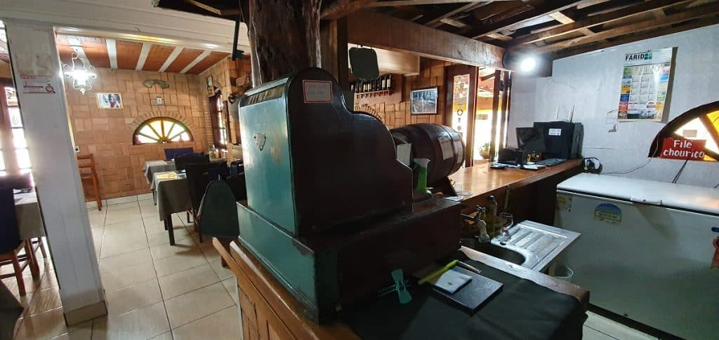Detalhes do restaurante da Pousada Chalana