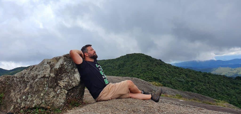 No topo da Pedra Redonda, MG.