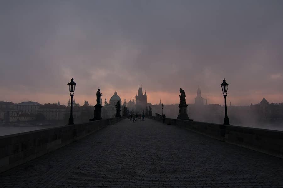 Ponte Charles Bridge em Praga.