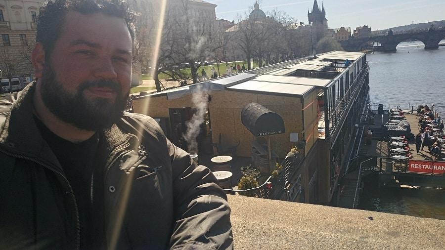 Nas pontes de Praga