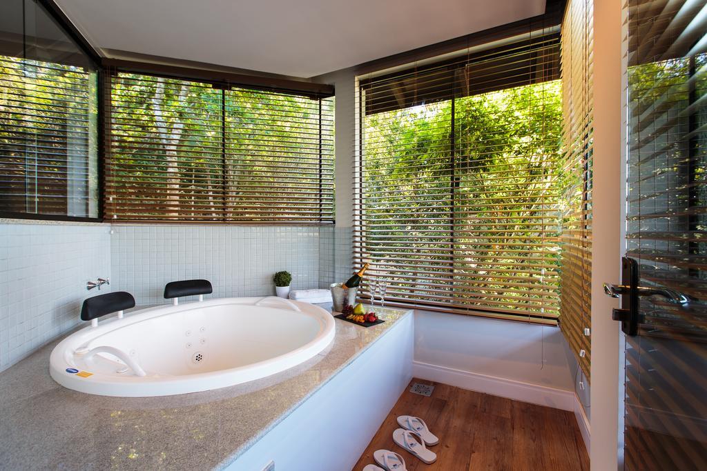 Banheira do Infinity Blue Resort e Spa em Balneário Camboriú, SC.