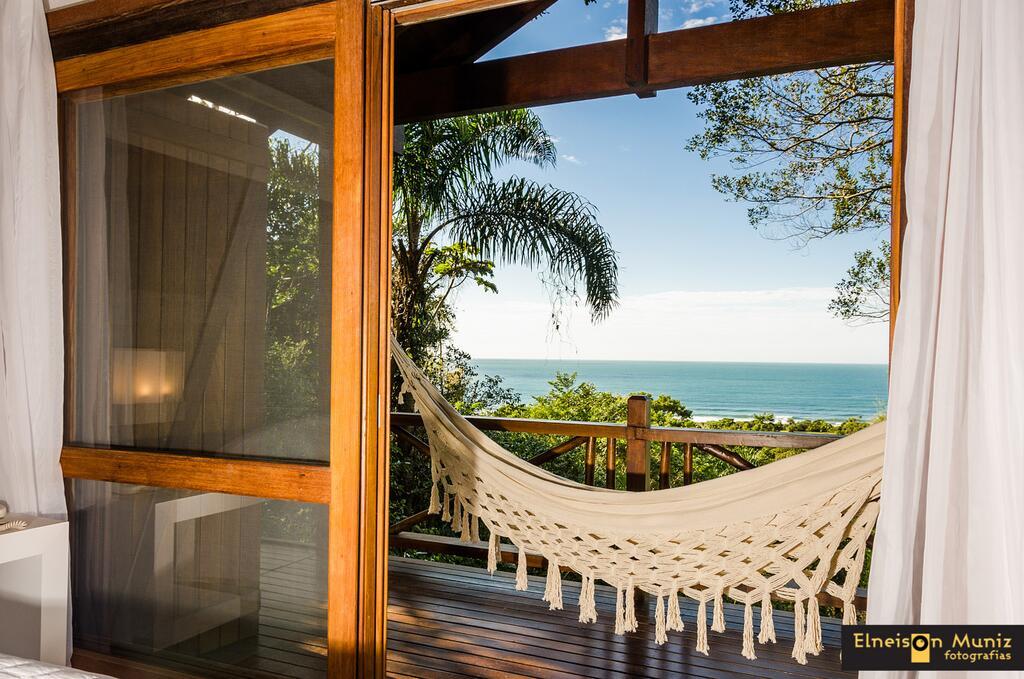Quarto do Resort Solar Exclusive na Praia do Rosa, SC.