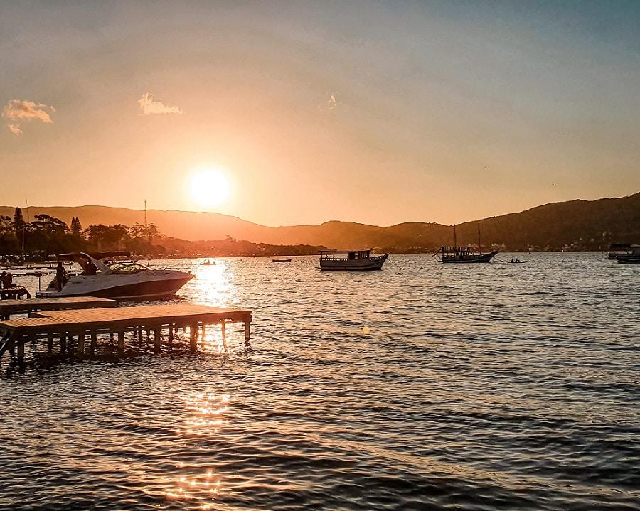 Pôr do Sol na Lagoa da Conceição em Florianópolis.