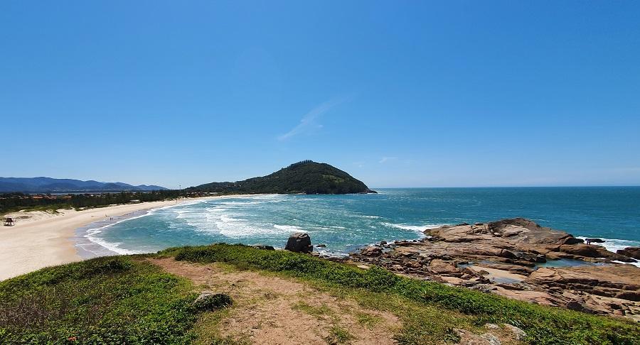 Praia da Ferrugem em Garopaba, SC.