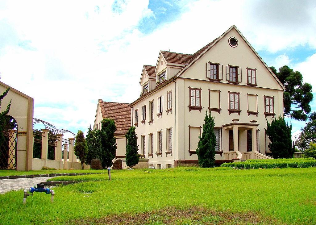 Colombo é uma excelente cidade para uma viagem para casal no Paraná.