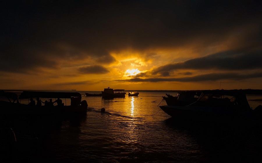 A Ilha do Mel é um dos lugares românticos mais procurados em uma viagem para casal no Paraná.