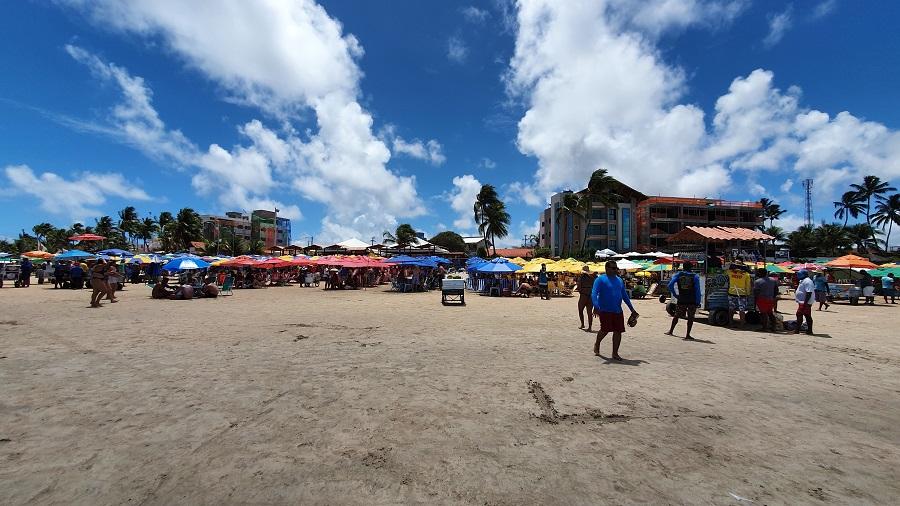 Quiosques na praia central de Porto de Galinhas
